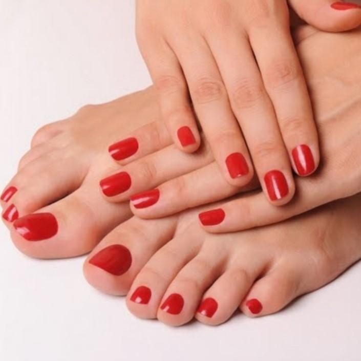 Pose vernis semi permanent mains ou pieds